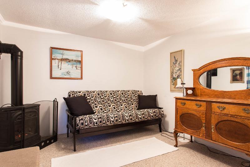 Living Room - Garden Suite Commercial Drive - Vancouver - rentals