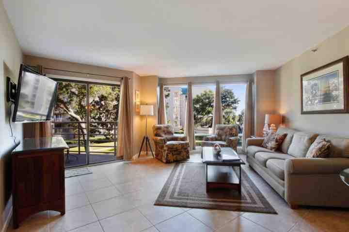 Family Room opens to Covered Porch - Completely Renovated, Fun, Family Friendly 2BR / 2 BA sleeps 8 with Ocean View - Hilton Head - rentals