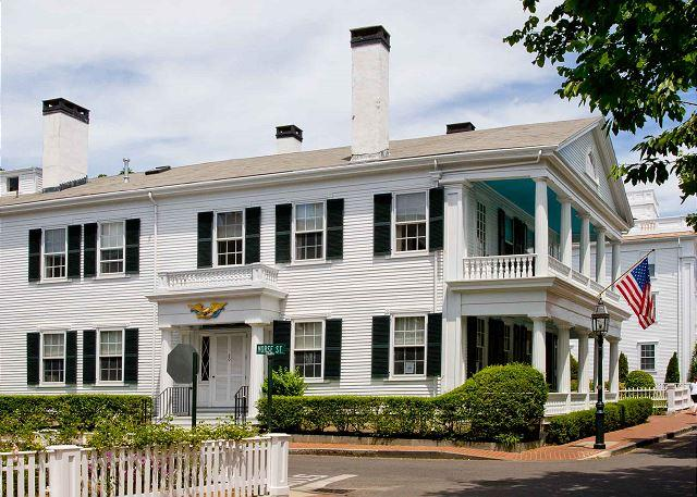 GRAND WHALING CAPTAIN'S HOUSE - Image 1 - Edgartown - rentals