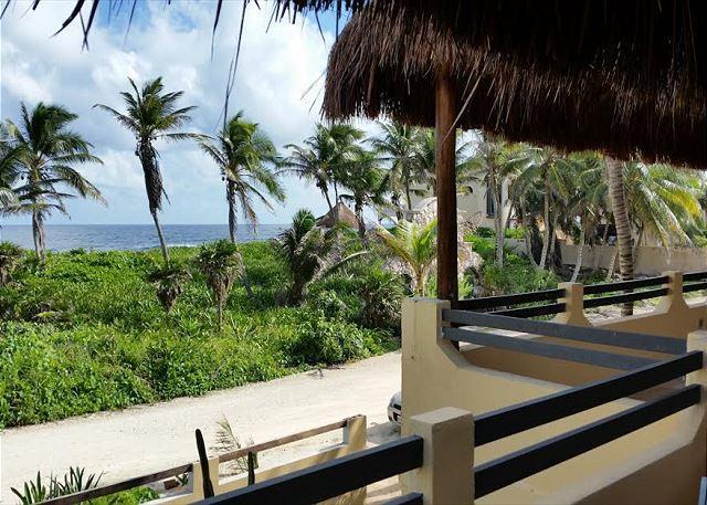 Brand new villa in Tankah, Tulum. 3 bedrooms, pool, direct access to ocean - Image 1 - Tulum - rentals