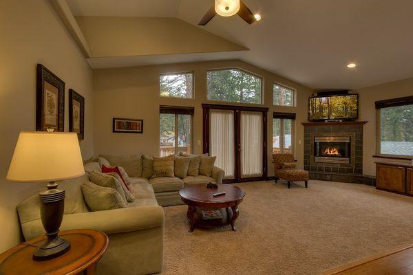 Tahoe Luxury Home - w/ hot tub, near stores - Image 1 - South Lake Tahoe - rentals