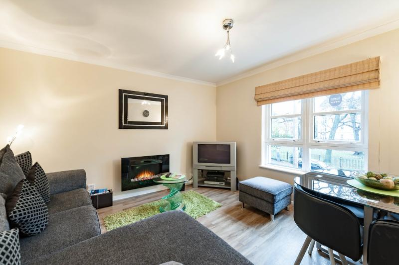 Living Room - 4*  Hopetoun Apartment - Edinburgh - rentals