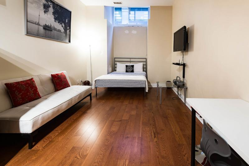 The Bedroom - Furnished Suite Financial District -Downtown - Toronto - rentals