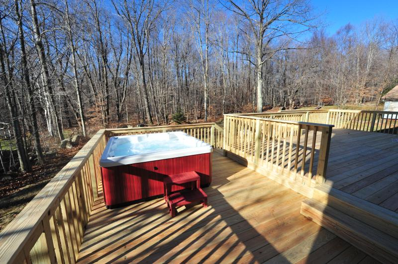 Golf Club Resort with Hot Tub!! - Image 1 - Tannersville - rentals