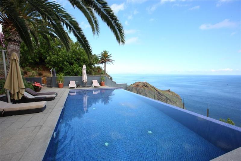 Madeira Island - Martinhos House - Image 1 - Canico - rentals