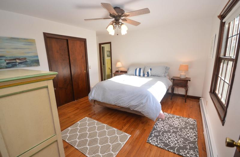 Bright, clean Queen bedroom - Recently Remodeled 3 Bedroom On Private Wooded Lot - Eastham - rentals