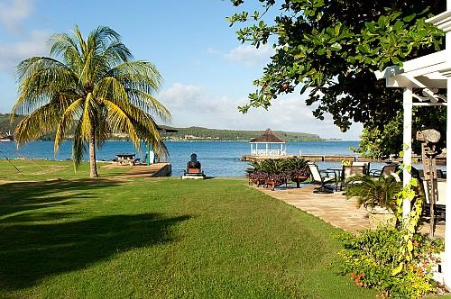 A Summer Place on the Beach - Ideal for Couples and Families, Beautiful Pool and Beach - Image 1 - Discovery Bay - rentals
