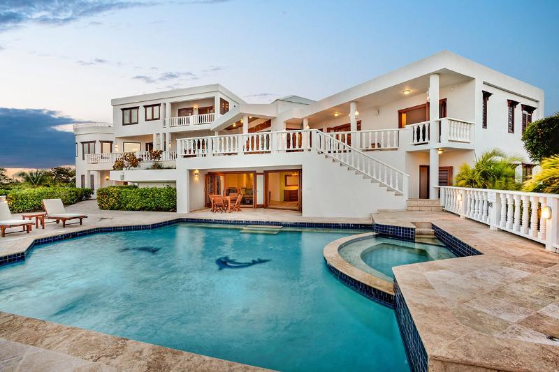 Sheriva Estate, Sleeps 50 - Image 1 - West End - rentals