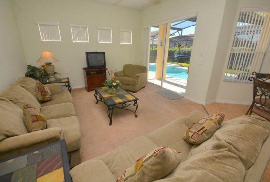 4 Bedroom Disney Area Villa with South Facing Pool & Spa. 1028TH - Image 1 - Orlando - rentals