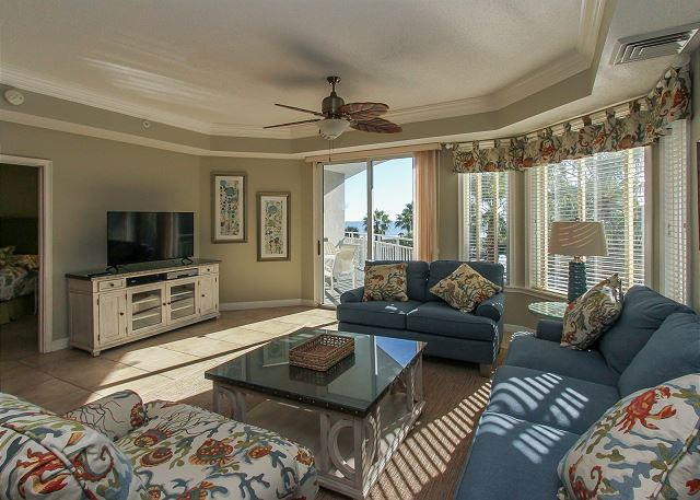 Living Area - 2302 SeaCrest-3rd Floor and Beautiful Ocean Views & Quick walk to Dining, etc - Hilton Head - rentals