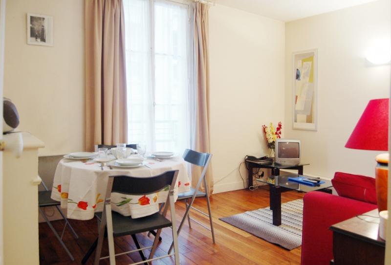 1-CAPR27-sl.JPG - CAPR27 - Paris - rentals