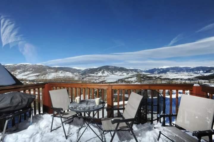 Unsurpassed Views From Living, Dining And Deck Areas!! - BREATHTAKING MOUNTAIN And LAKE VIEWS. HOT TUB And Pool. Enjoy Our Exclusive - Wildernest - rentals