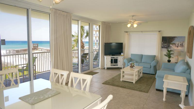 Full wall of window overlooking the beach - 2ND FLOOR * 3 BR/3 BA  Great Beach View - Fort Walton Beach - rentals