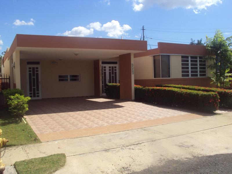 Secluded Beach Air Conditioned House for Rent - Image 1 - Cabo Rojo - rentals