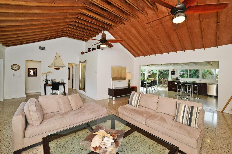LIVING ROOM - HGTV Design Star - Pony Tail Palm Heaven - Deerfield Beach - rentals