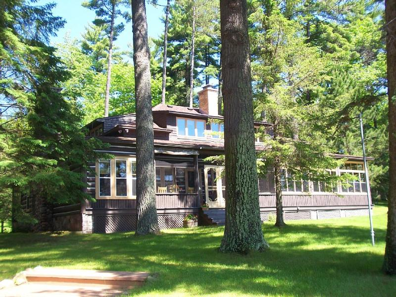 4 Bedroom, 4 Bath Remodeled Historical Home - Image 1 - Minocqua - rentals