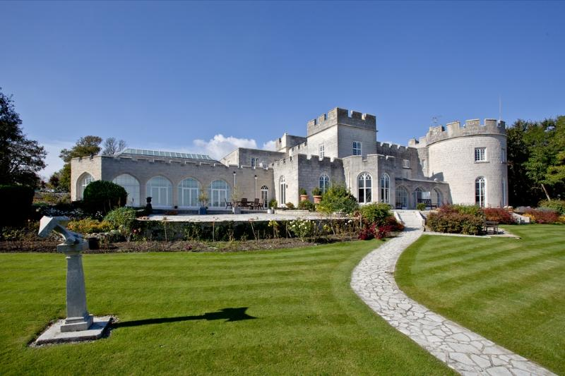 Pennsylvania Castle located in Portland, Dorset - Image 1 - Portland - rentals