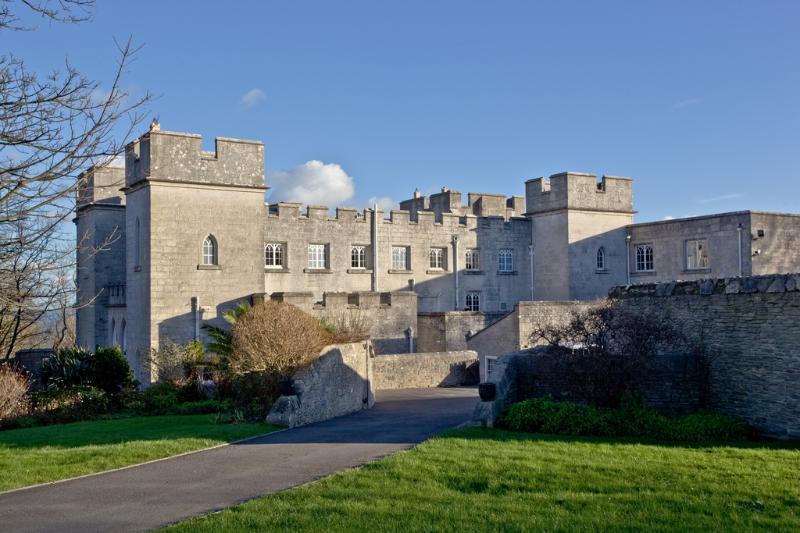 Pennsylvania Castle, Half Moon located in Portland, Dorset - Image 1 - Portland - rentals