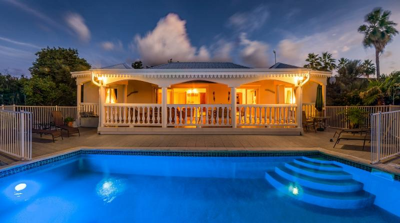 Romantic Villa at Happy Bay Beach - Attractive Rates - Villa Canoua - La Savane - rentals