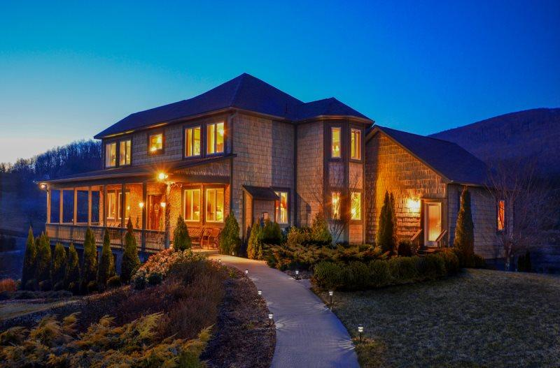 7BR Tuscan Villa at The Banner Elk Winery, 7 Bedroom Suites w/ Jacuzzi Tubs, Outdoor Hot Tub, 3 Fireplaces, Walk to Winery, Minutes to Downtown Banner Elk - Image 1 - Banner Elk - rentals