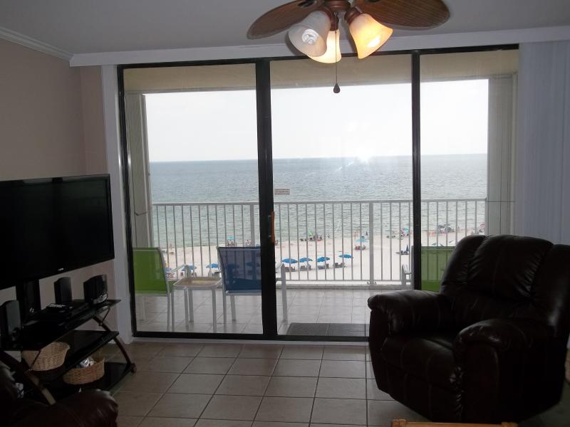 "Imagine sitting in the recliner, watching your favorite show on the big screen, and having that view - ""A Whale Of A View"".  Gulf Views From Every Room!  Large Pool! Perfect Location! - Gulf Shores - rentals"