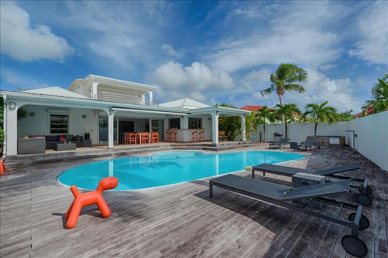 Luxury 4 bedroom Villa Lagoon with private pool and jacuzzi - Image 1 - Baie Nettle - rentals