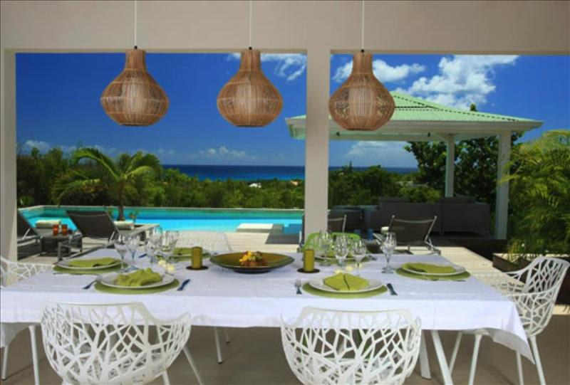 Spacious and elegant 3 bedroom villa overlooking the caribbean sea - Image 1 - Cupecoy - rentals