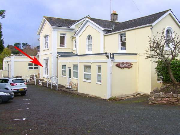 FLAT 4, ground floor apartment, close to beach, WiFi, flexible accommodation, in Torquay, Ref 929191 - Image 1 - Torquay - rentals