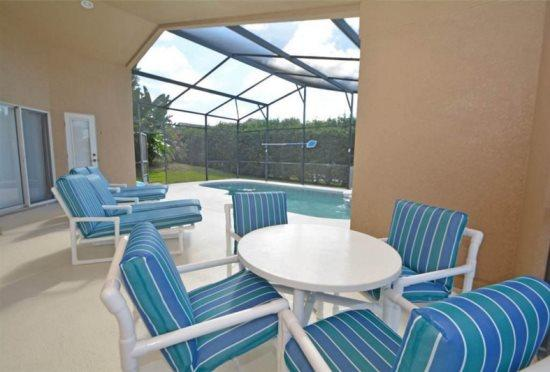 4 Bedroom 3 Bath Private Pool Home with a South Facing Pool and Spa. 345OBC - Image 1 - Orlando - rentals