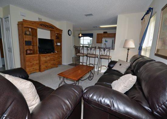 4 Bedroom 3 Bathroom Villa with a Fairway View. 2620HA - Image 1 - Orlando - rentals