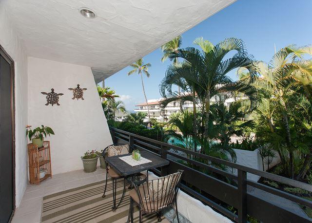Lanai with Ocean Views! - Casa de Emdeko 208 - Kailua-Kona - rentals