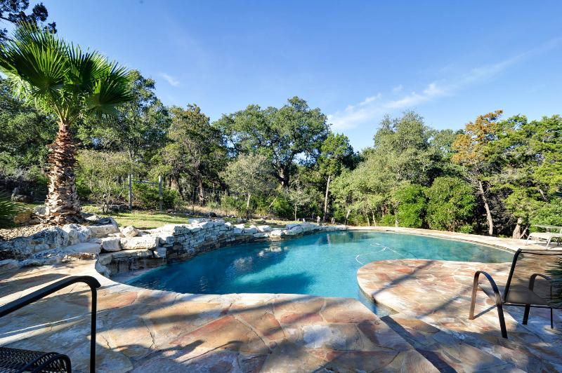 Tropical paradise on 2 private acres! - San Antonio Home on 2 Acres with Private Pool - Hollywood Park - rentals