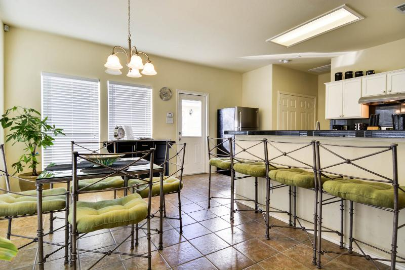 Dining Area - Downtown San Antonio Near River Walk, 1/3 Acre Gem - San Antonio - rentals