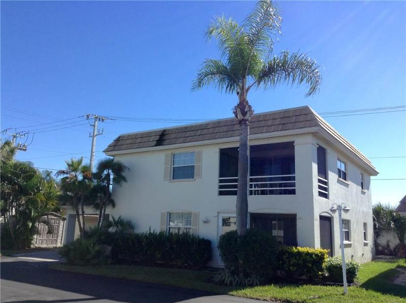Amazing 2BR 1B duplex for your next family vacation - Villa 40B - Image 1 - Siesta Key - rentals