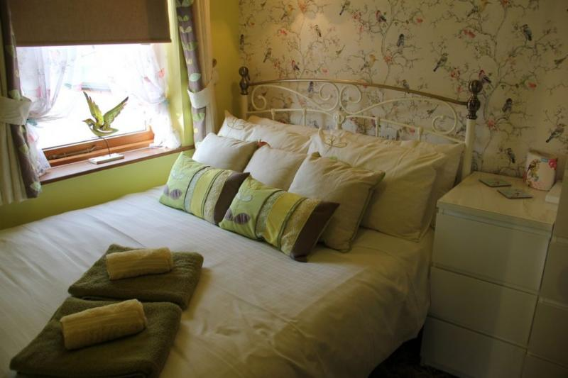 ROBIN'S NEST, Windermere - Image 1 - Bowness & Windermere - rentals