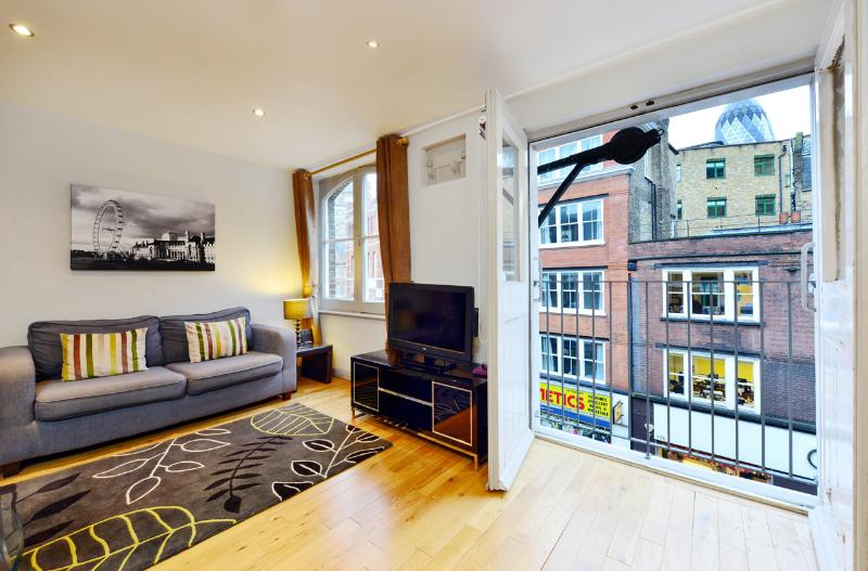Well-Located 1 Bedroom Apartment in Shoreditch - Image 1 - London - rentals