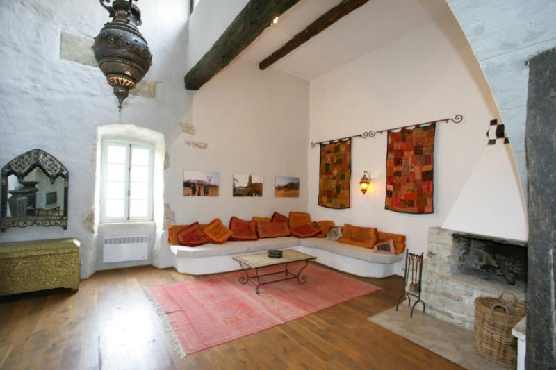 "Marrocan inspired living with 6m high ceilings - Château de Villarlong - ""Essaouira"" for 6 Guests - Carcassonne - rentals"