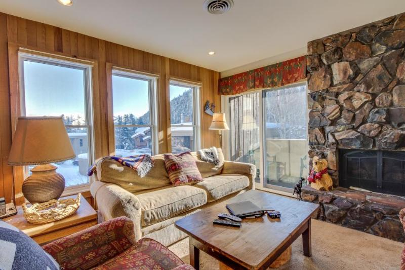 Dog-friendly home with a shared hot tub, walk to Bald Mountain ski lifts! - Image 1 - Ketchum - rentals