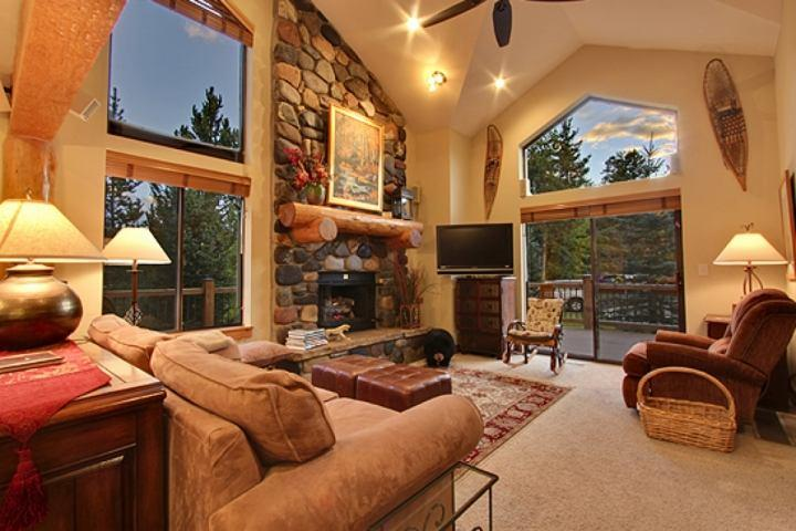 AAaaahhhhhhh! - PROMOS! Stay Where Skiing Ends & Main St Begins-NEW Hot Tub-Large Deck - Breckenridge - rentals
