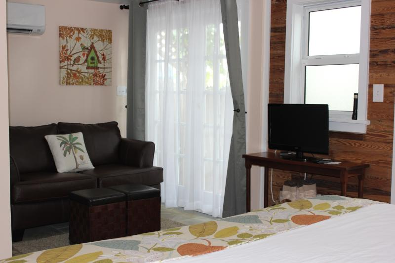 Mango Hideaway is decorated with a tropical flair and features a spacious modern layout. - Mango Hideaway-King Suite just steps off Duval St - Key West - rentals