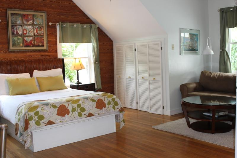 Treetop studio is bright and spacious with an open floor plan. - Treetop Studio - private hot tub, steps off Duval - Key West - rentals