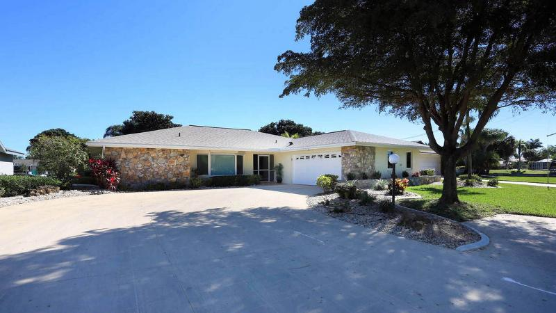 Villa Cape Paradise - Image 1 - Cape Coral - rentals
