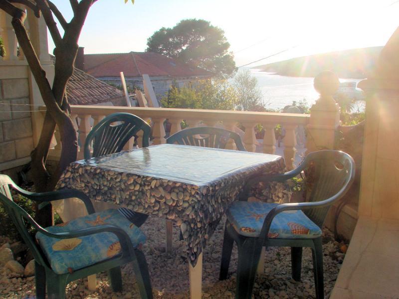 SA2(2): terrace - 5085  SA2(2) - Sumartin - Sumartin - rentals