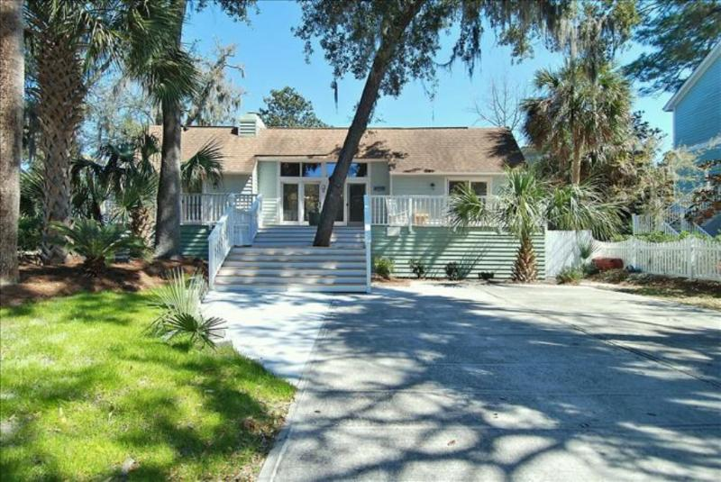 1 Osprey - Beach Cottage Steps to Sand and minutes bike ride to Coligny - Hilton Head - rentals
