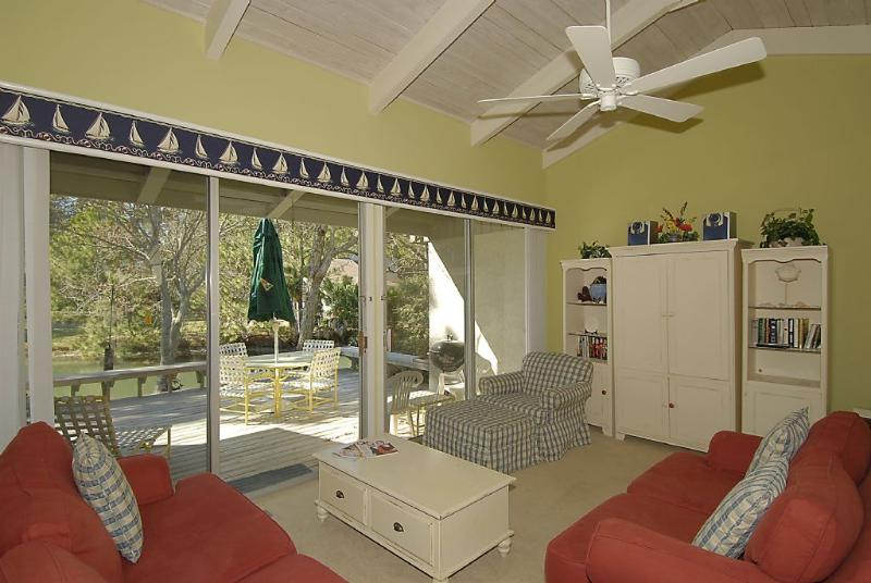 Living Room - 1582 Lagoon Villas - Hilton Head - rentals