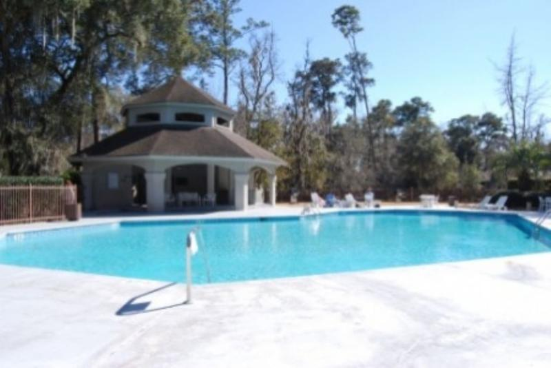 Pool and Hot Tub - 3 Bedroom Villa in Sea Pines with Onsite Pool, Hot Tub and Tennis - Hilton Head - rentals