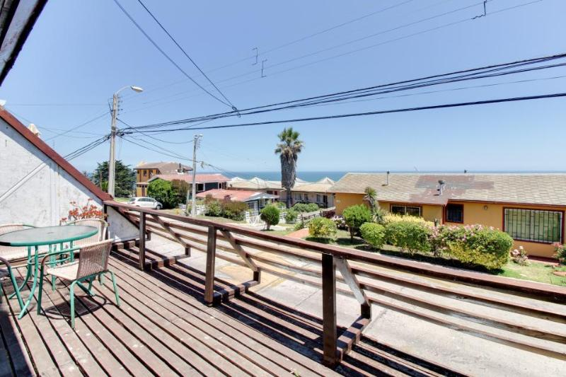 Cozy & inviting bungalow with ocean views & lovely terrace! - Image 1 - Concon - rentals