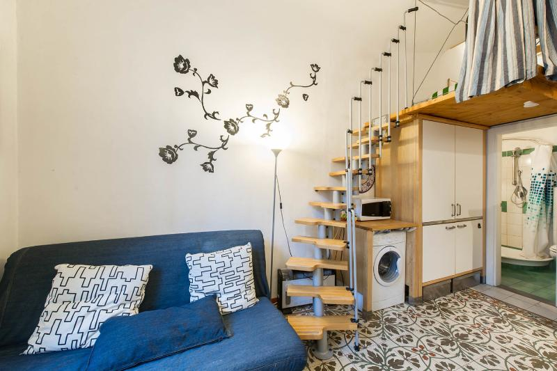 Living Room with the double sofa bed - Very Nice Studio Near Duomo cathedral - WiFi A/C - Florence - rentals
