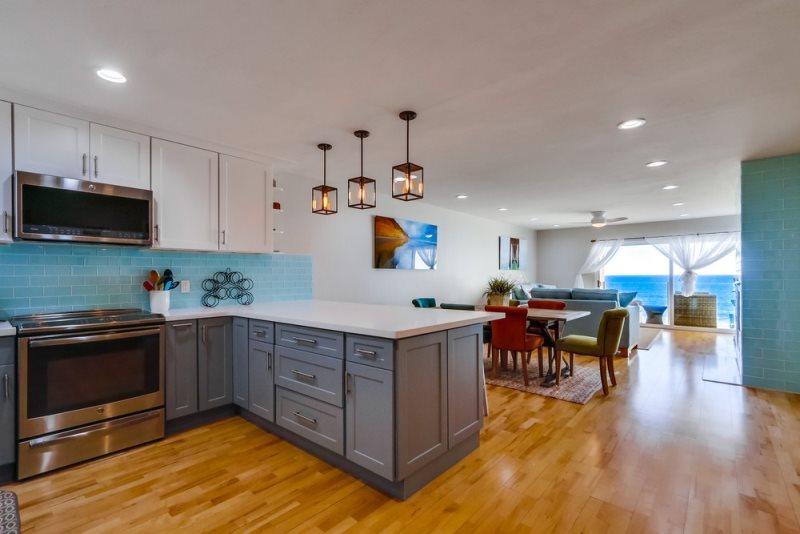 SBTC Ocean-Front Views from Living Room 206 - Image 1 - Solana Beach - rentals