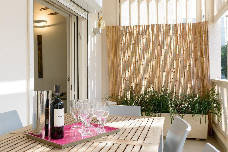 Shir Street – 3 Bedroom & Balcony - Image 1 - Tel Aviv - rentals
